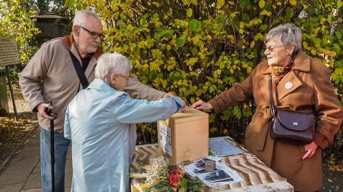 Kwesta na cmentarzu - listopad 2018-12