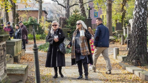 Kwesta na cmentarzu - listopad 2018-14
